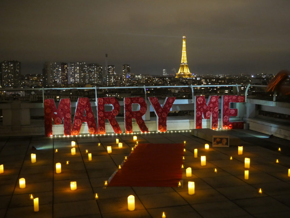 romantic proposal in paris