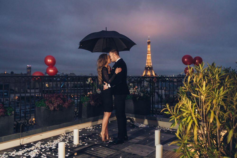 Rooftop proposal in Paris